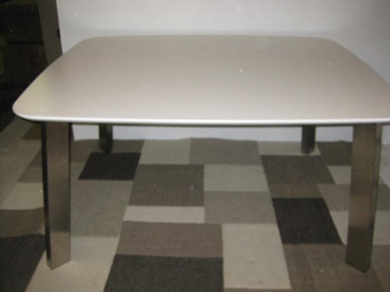 Eetkamertafel Vierkant Wit : Eettafel mdf wit vierkant meubelen dino
