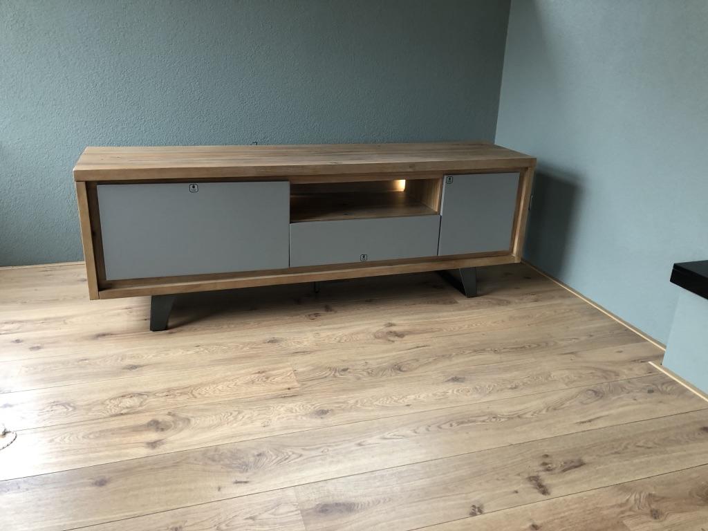 Lowboard Tv Meubel.Box Lowboard Vintage Grey Grijze Fronten Meubelen Dino